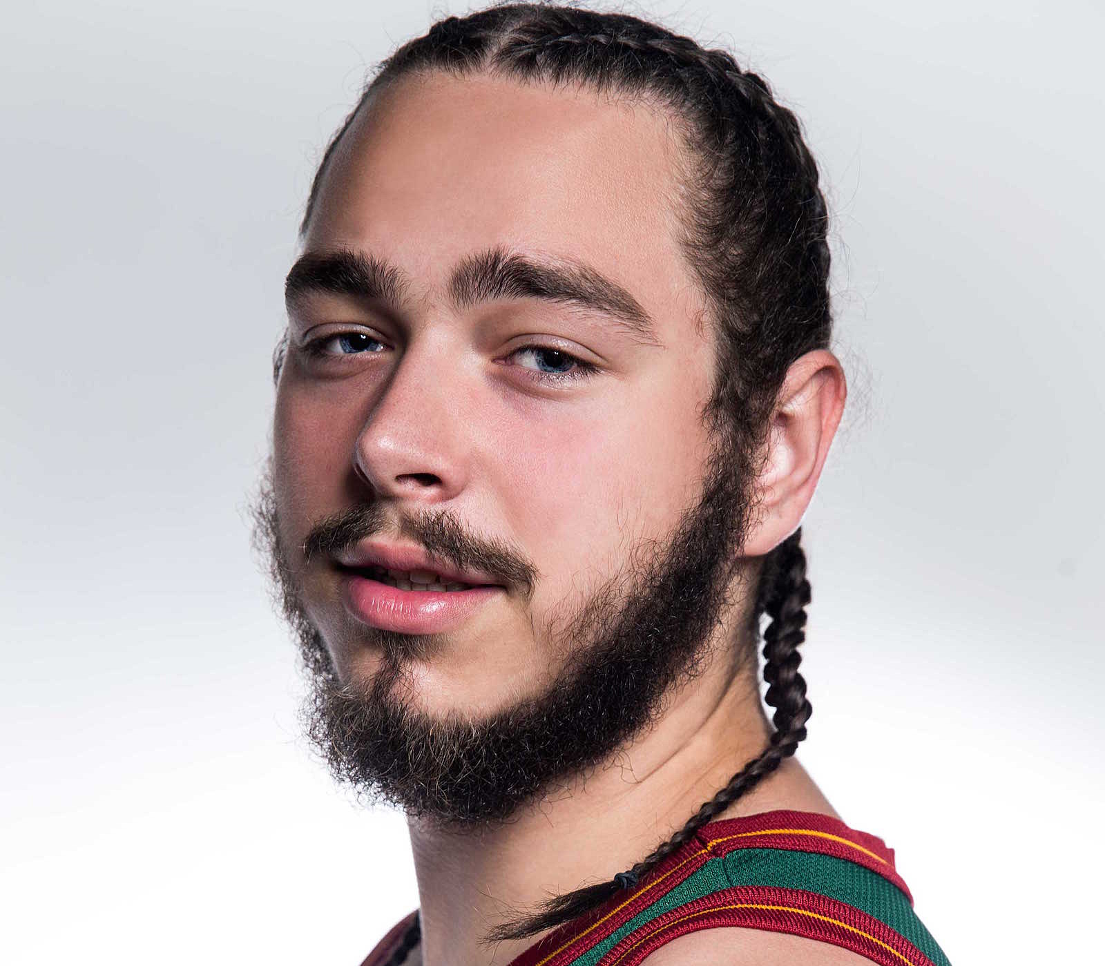 The 22-year old son of father (?) and mother(?), 183 cm tall Post Malone in 2018 photo