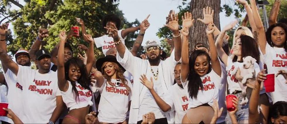 Watch Snoop Dogg And Chance The Rapper Join Fun In R Kellys Backyard Party Video