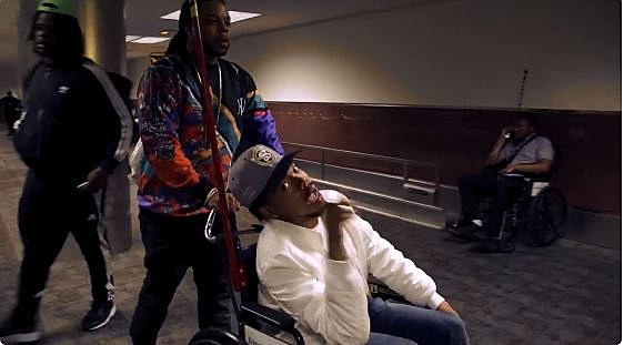 """Chance The Rapper Shows Off His Moves in """"No Problem"""" Video With Lil Wayne and 2 Chainz"""