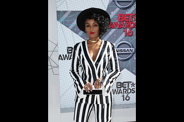 Wondrous Nicki Minaj Wins Best Female Hip Hop Artist At 2016 Bet Awards Xxl Short Hairstyles Gunalazisus
