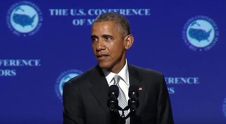 "President Obama Sings Drake's ""One Dance"""