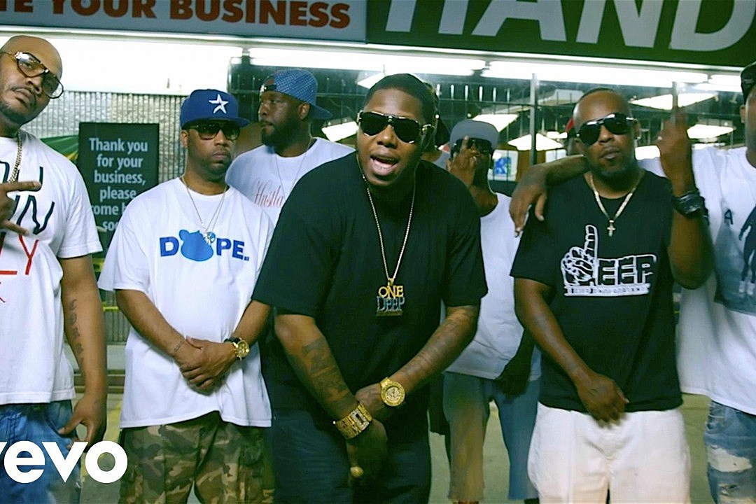 """Z-Ro Takes Us Around His Houston Hood in """"Where the Real"""" Video"""