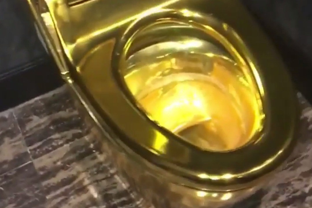 Birdman Gets a Gold Toilet XXL