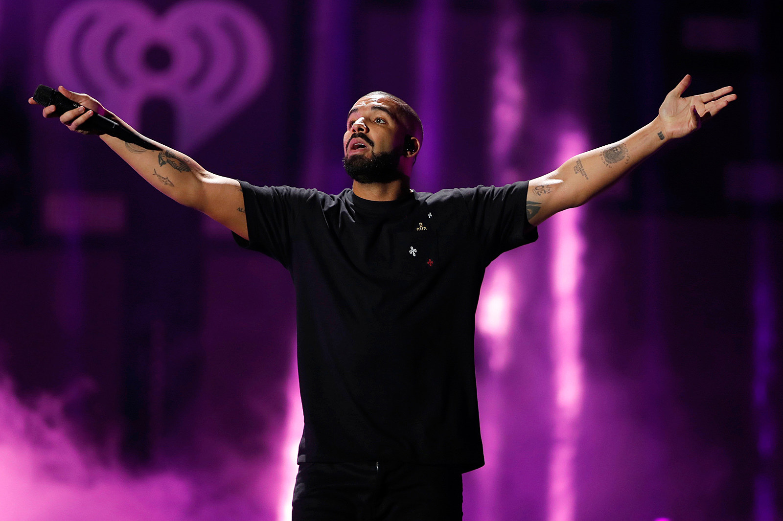 Drake Is The First Artist To Hit 10 Billion Streams On Spotify