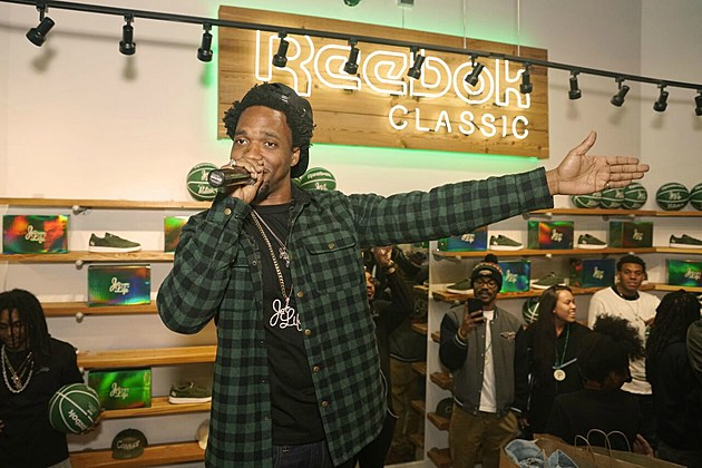 currensy launches new jet life sneaker with reebok classic