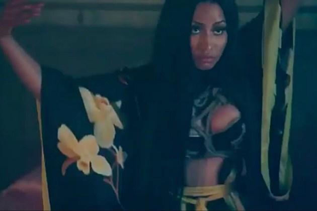 "Nicki Minaj >> álbum ""Queen"" - Página 6 Nicki-minaj-regret-in-your-tears"