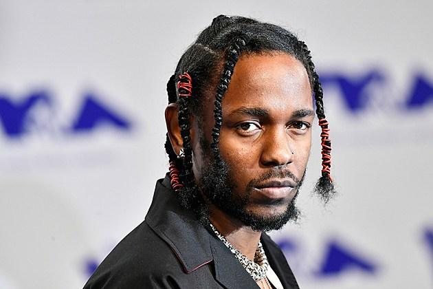 Kendrick Lamar S Humble Wins Best Hip Hop At 2017 Mtv