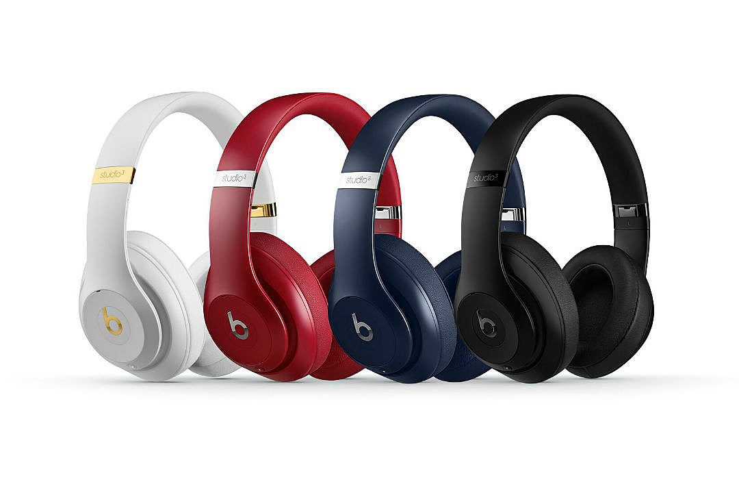 beats by dre introduces new studio3 wireless xxl. Black Bedroom Furniture Sets. Home Design Ideas