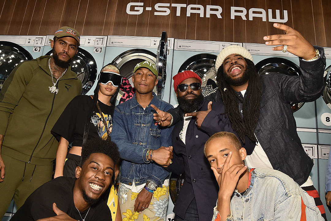 pharrell williams and g star raw unveil the second drop of the g star elwood x25 collection xxl. Black Bedroom Furniture Sets. Home Design Ideas