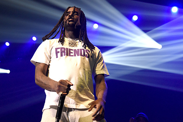 Crowd Dancing To Chief Keef S Quot Faneto Quot Causes Floor To